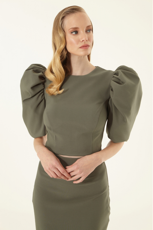 Green crepe short sleeve midi dress